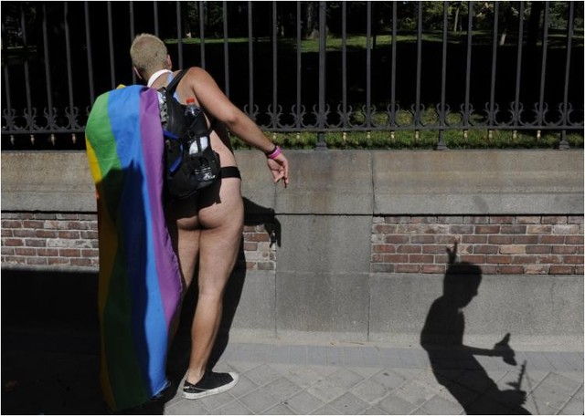 Андрей Корецкий. ЛГБТ. гей-парад в Москве. содомиты. гей-парады. гей-прайд